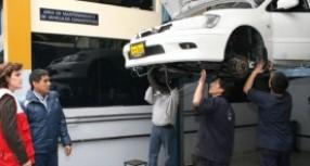 Talleres callejeros superan el servicio de las agencias